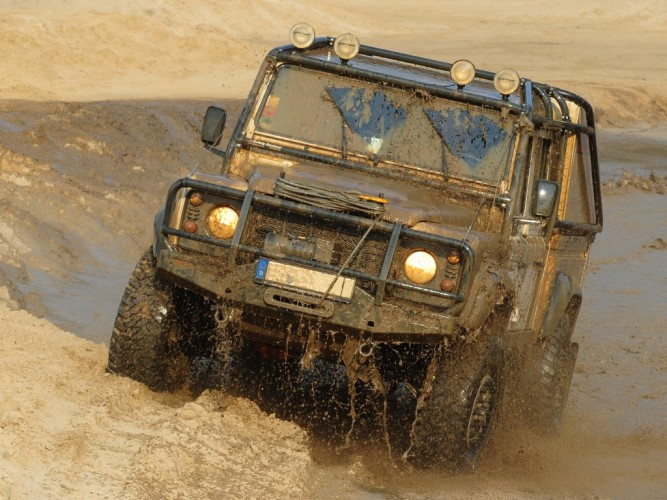 Safety Devices 187 New Development Land Rover Defender 130