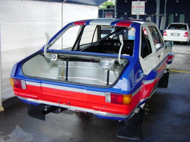 Ford Escort Mk2 6 Point Bolt In Roll Cage Safety Devices