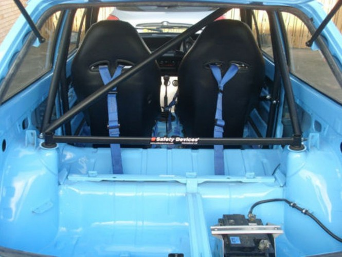 Ford Fiesta Mk2 Hatchback 6 Point Bolt In Roll Cage