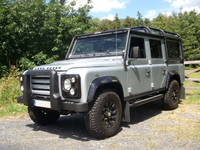 land rover defender 110 td5 station wagon multi point bolt in roll cage safety devices. Black Bedroom Furniture Sets. Home Design Ideas