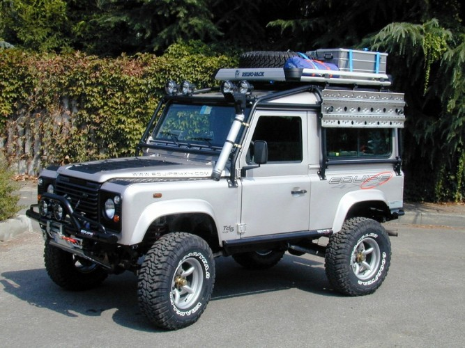 land rover defender 90 td5 station wagon 6 point bolt in roll cage safety devices experts in. Black Bedroom Furniture Sets. Home Design Ideas