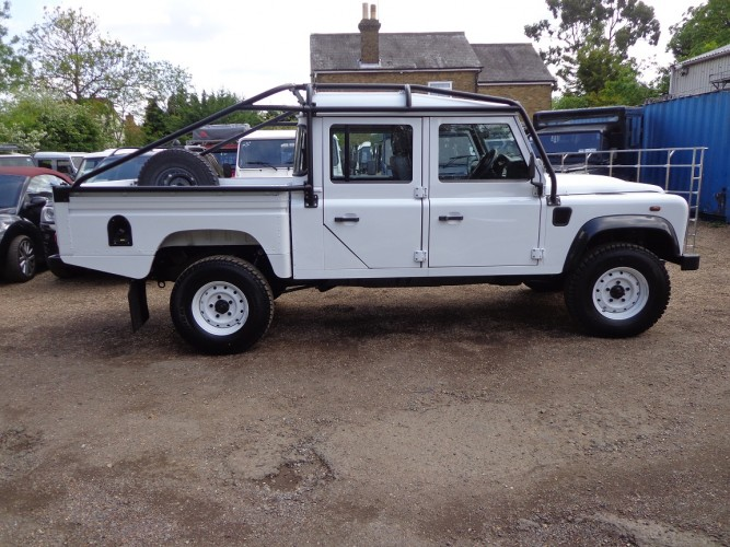 land rover defender 130 puma double cab high capacity pick up multi point bolt in roll cage. Black Bedroom Furniture Sets. Home Design Ideas