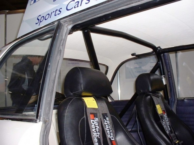 Bmw 2002 Saloon 6 Point Bolt In Roll Cage Safety Devices