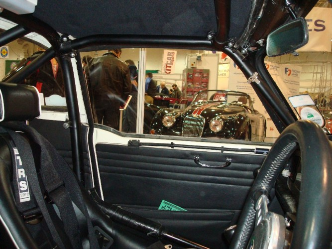 Triumph Tr6 Multi Point Bolt In Roll Cage Safety Devices