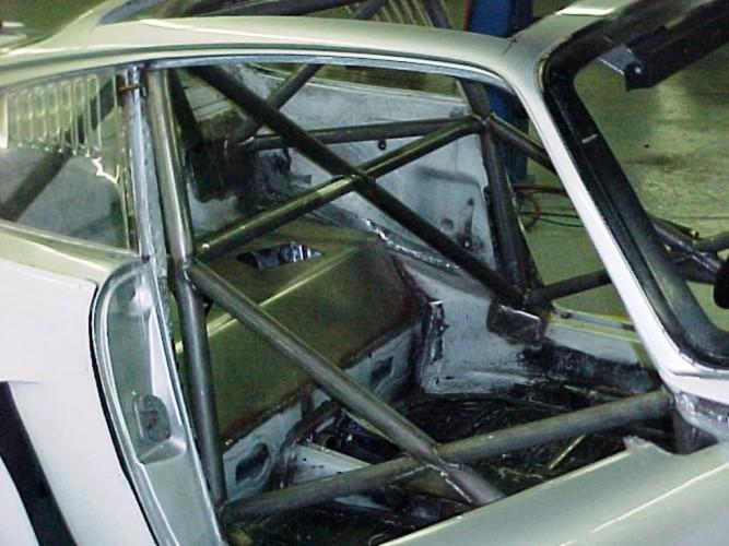 Porsche 911 roll cage