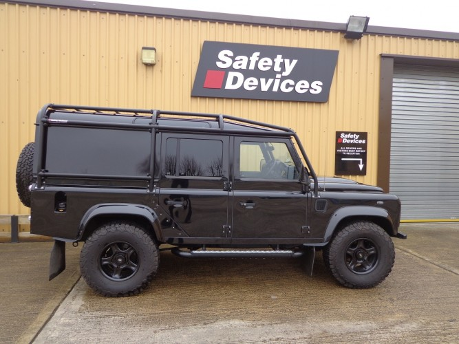Land Rover Defender 110 300Tdi Station Wagon 6 Point Bolt-in