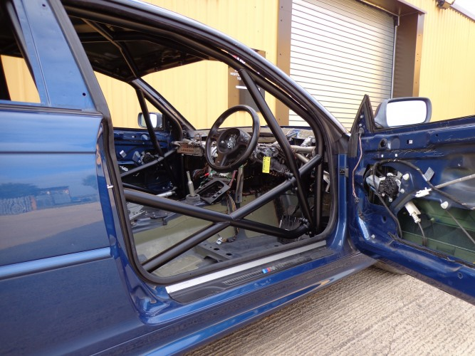 BMW 3 Series E46 Coupe Multi Point Bolt In Roll Cage