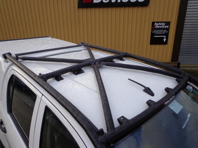 Toyota Hilux M70 M80 Double Cab Pickup Multi Point Bolt In Roll Cage Safety Devices