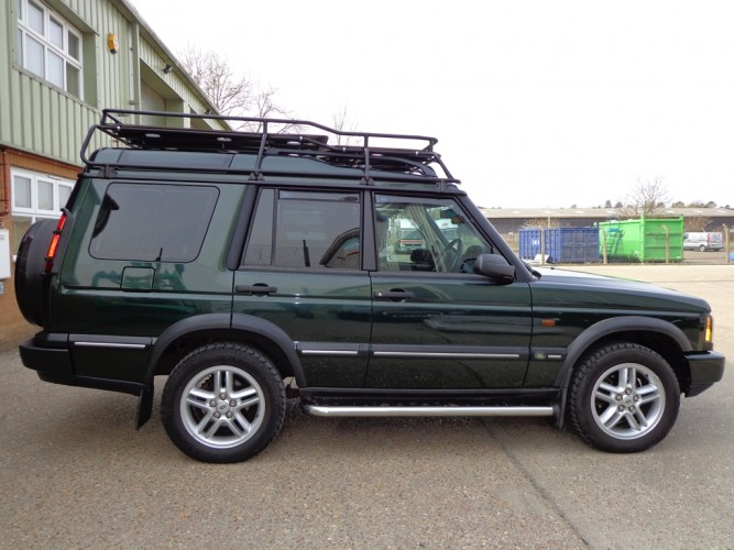 land rover discovery 2 with roof rails roof rack gutter mount safety devices experts in. Black Bedroom Furniture Sets. Home Design Ideas