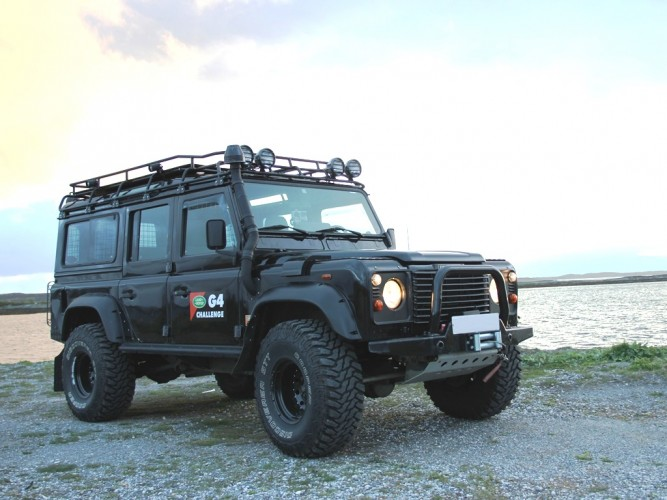 Land Rover Defender 110 Station Wagon Roof Rack Gutter