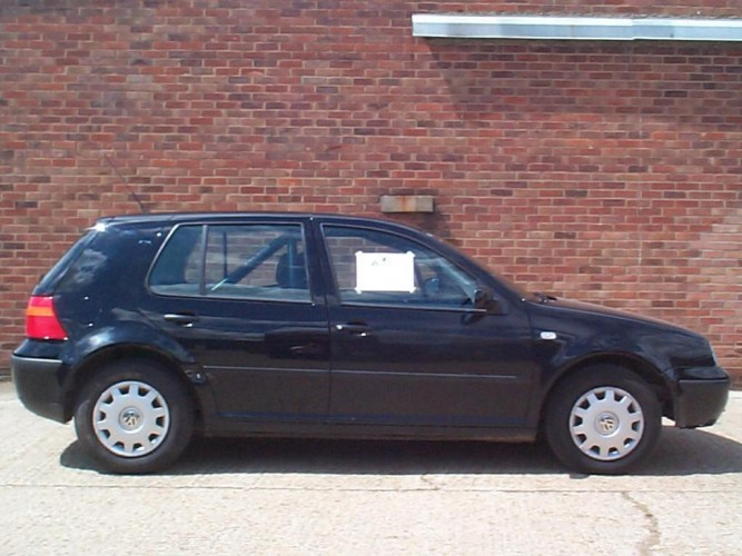 Volkswagen Golf Mk4 Hatchback With Sunroof 6 Point Bolt In