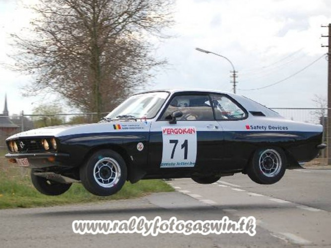 Vauxhall Opel Manta A Coupe 6 Point Bolt In Roll Cage