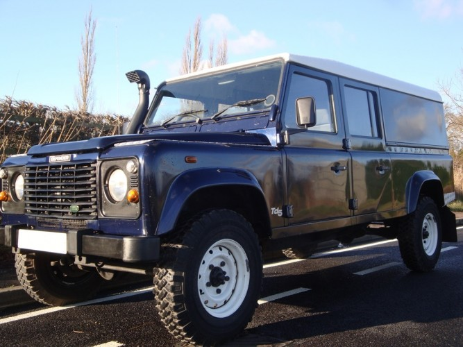 Land Rover Defender 130 Td5 Station Wagon Style Bar   Safety Devices