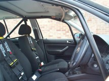 Volkswagen Golf Mk4 Hatchback with sunroof 6 Point Bolt-in Roll Cage