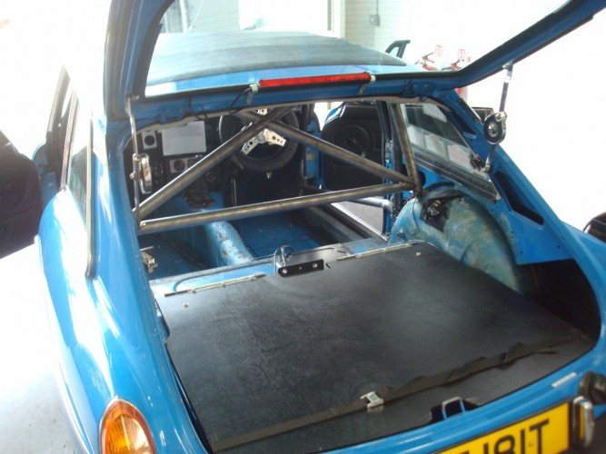Mg Mgb Gt Webasto Sunroof 6 Point Bolt In Roll Cage